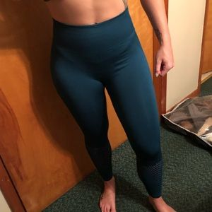 Fabletics Highwaisted Contour Workout Legging